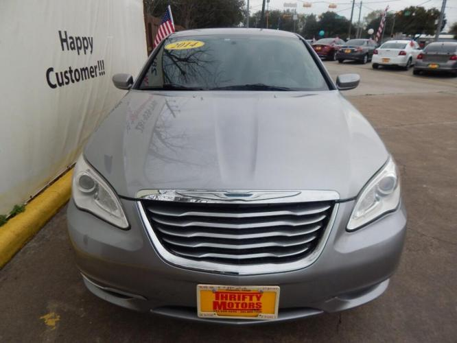 2014 Gray Chrysler 200 (1C3CCBABXEN) with an 2.4L I4 2.4L I4 engine, Automatic 4-Speed transmission, located at 4509 Highway 6 North, Houston, TX, 77084, (281) 859-4646, 29.848997, -95.645760 - Photo #4