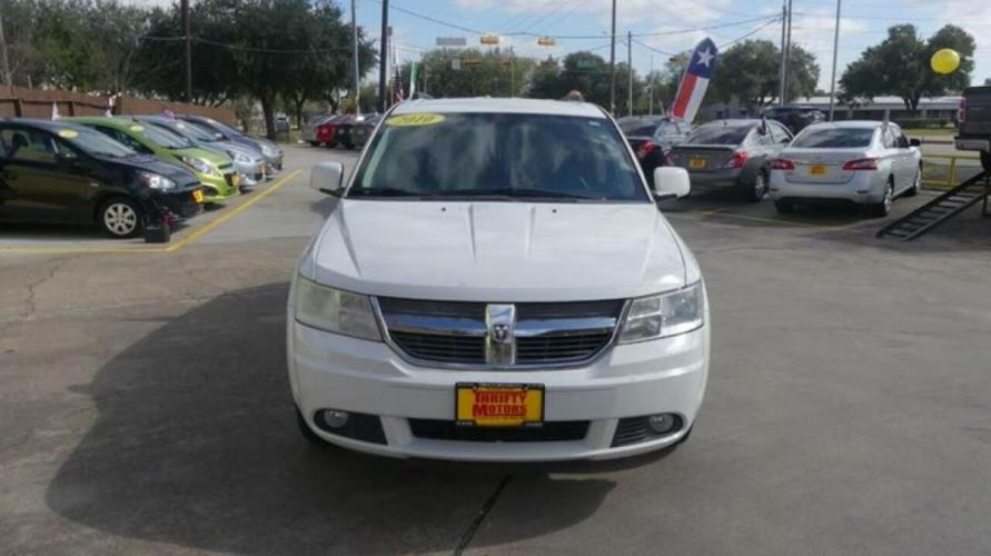 2010 White Dodge Journey (3D4PG5FV2AT) with an 3.5L V6 3.5L V6 engine, Automatic 6-Speed transmission, located at 4509 Highway 6 North, Houston, TX, 77084, (281) 859-4646, 29.848997, -95.645760 - Photo #15