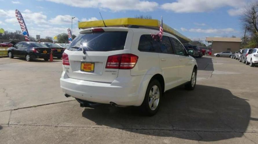 2010 White Dodge Journey (3D4PG5FV2AT) with an 3.5L V6 3.5L V6 engine, Automatic 6-Speed transmission, located at 4509 Highway 6 North, Houston, TX, 77084, (281) 859-4646, 29.848997, -95.645760 - Photo #19